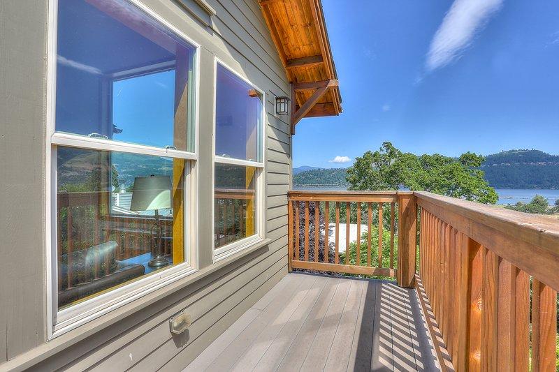 Hutson's Bridgeview **30 Day minimum**, holiday rental in Bingen
