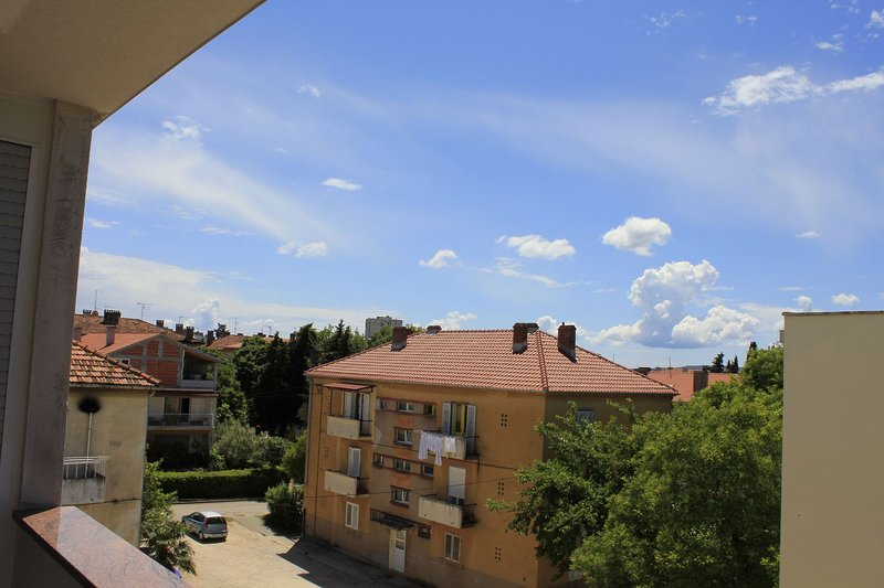 A1(2+2): terrace view