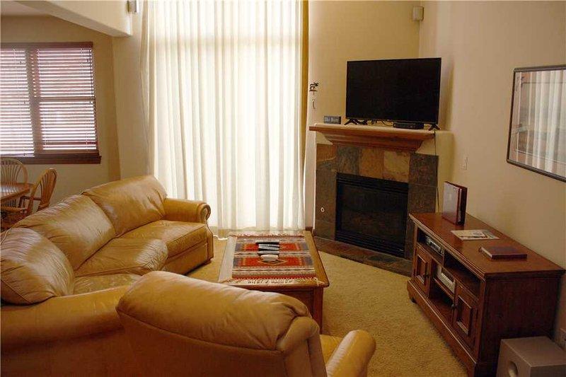 highland greens 17 linden has cable satellite tv and. Black Bedroom Furniture Sets. Home Design Ideas