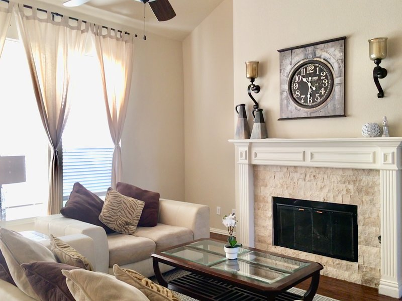 20% OFF - Family Friendly Home at the Heart of Frisco, vacation rental in Frisco