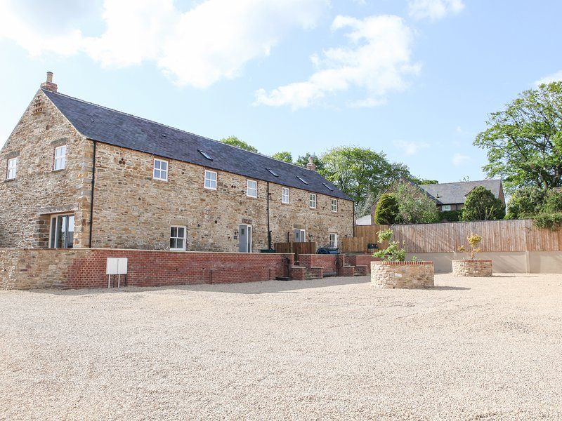 THE TURNIP BARN, all en-suites, exposed beams and stone, Ref 952973, Ferienwohnung in Waterhouses