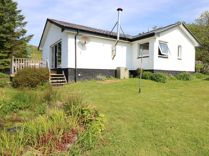 WESTHAVEN, WiFi, Beautiful Views, TV. Ref. 979485., location de vacances à Lochailort
