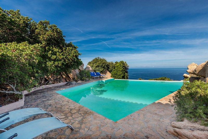 Il Faro di Cyrano, vacation rental in Costa Paradiso