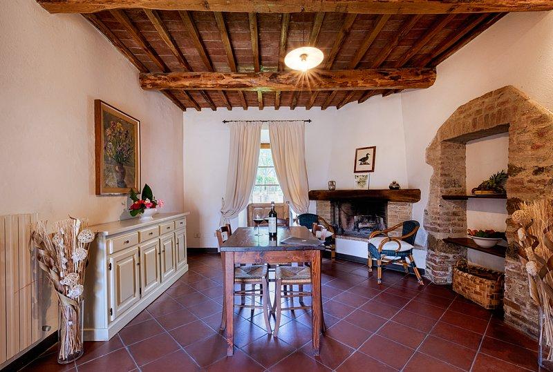 Bossi di Sopra (Castello di Bossi) App. Ginestra, Ferienwohnung in Castelnuovo Berardenga
