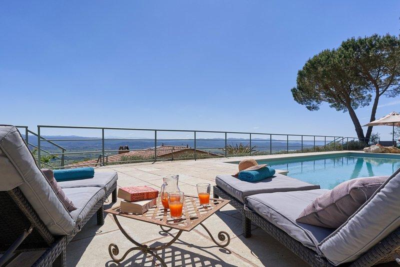 La Caduta Holiday Home Sleeps 14 with Pool and WiFi - 5513062, holiday rental in Campiglia Marittima