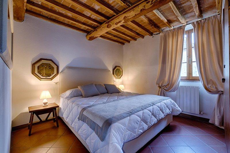 BOSSI DI SOPRA (Castello di Bossi) App. Dalia, holiday rental in San Felice