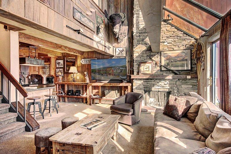 SKI-IN / SKI-OUT PEAK 9 – FANTASTIC RESORT AMENITIES – OUTSTANDING VIEWS, holiday rental in Breckenridge