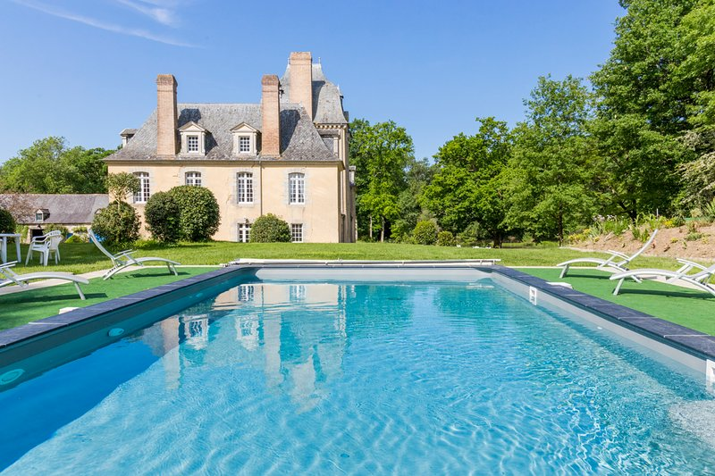 Poligne Chateau Sleeps 13 with Pool - 5049756, holiday rental in Poligne