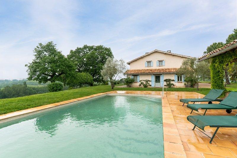 Montdurausse Villa Sleeps 8 with Pool - 5049455, holiday rental in Puycelci