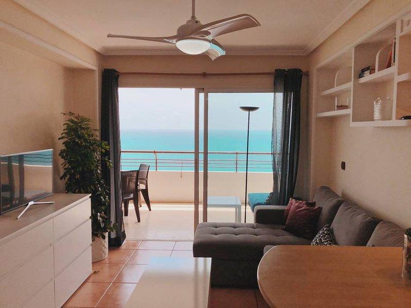 Apartamento con fantásticas vistas al Mar., alquiler de vacaciones en Alicante