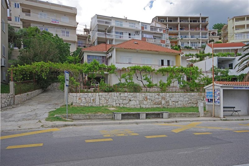 One bedroom apartment Dugi Rat, Omiš (A-7575-a), holiday rental in Dugi Rat
