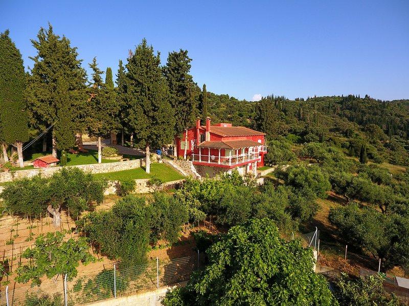 Sea View Villa with 4 bedrooms -  grECOrama, alquiler vacacional en Grecia Occidental