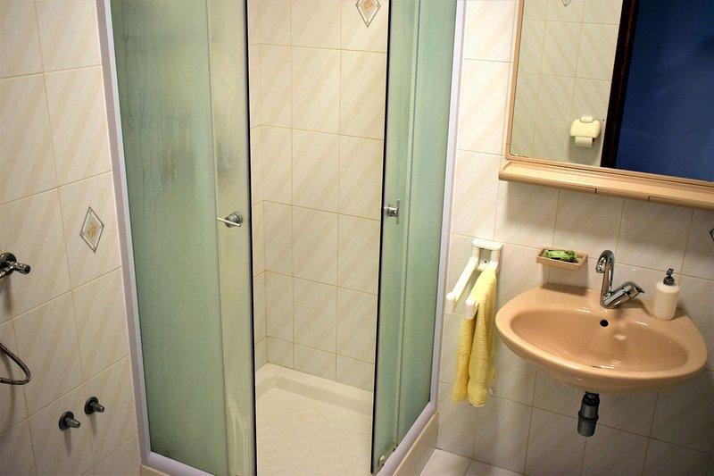A2 (5): badrum med toalett