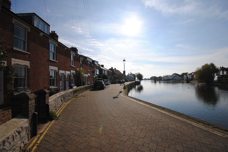 Compass Cottage , Emsworth, holiday rental in Woodmancote