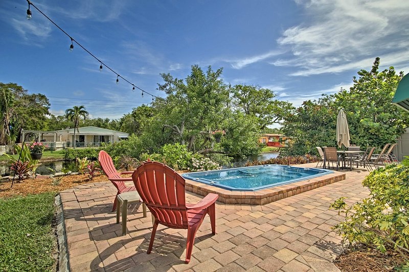 Home on Canal w/ Pool, ~ 2 Mi to Hollywood Beach!, holiday rental in Dania Beach