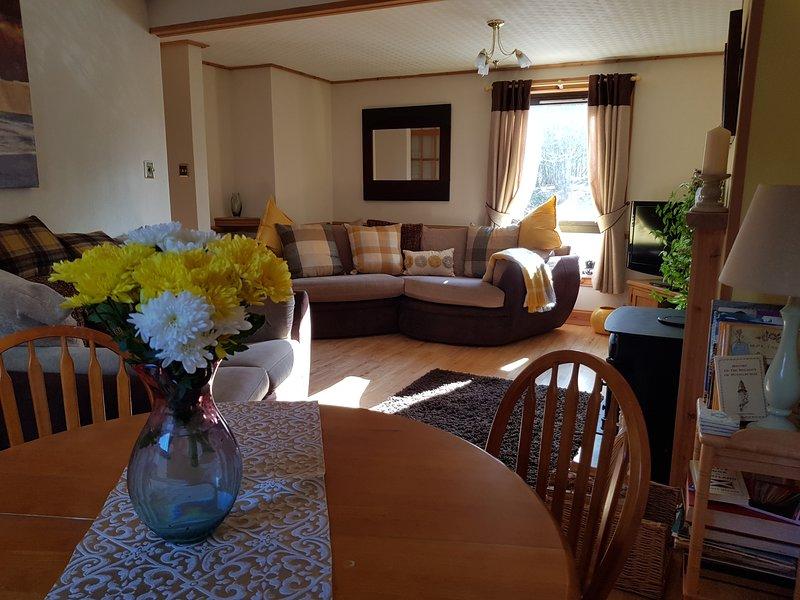 Livingroom/ dining area