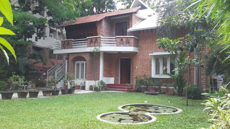 Tagore Holiday Villa, vacation rental in Kazhakkoottam