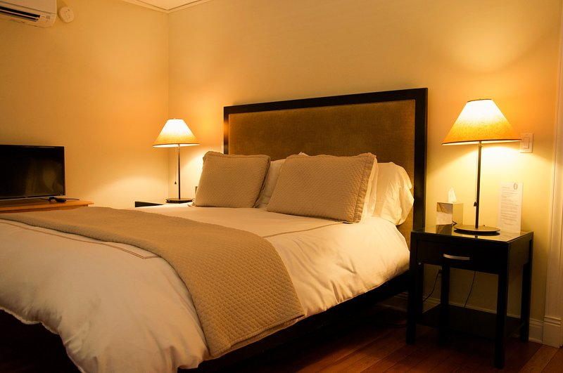 Erde-Suite Kingsize-Bett