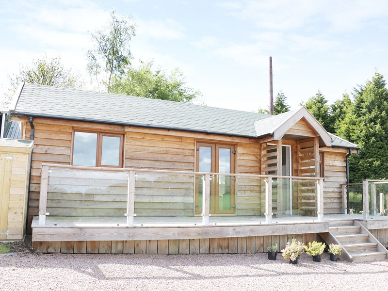 HILL VIEW LODGE 2, open-plan living, countryside views ref 980650, vacation rental in Cleobury Mortimer