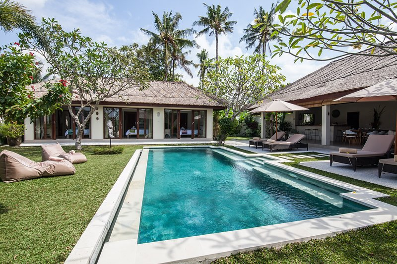 Villa Pascaline, North Canggu-Bali,  le calme, la sérénité, l'authenticité..., holiday rental in Tanah Lot