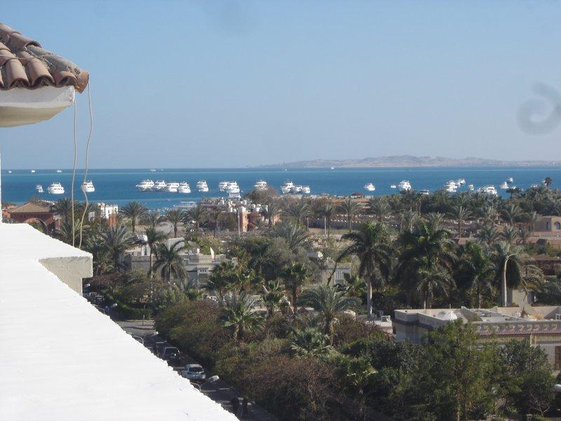 Suleder Resort - 4 ° piano con tetto privato e vista sul mare. Ascensore e 24 ore di sicurezza.