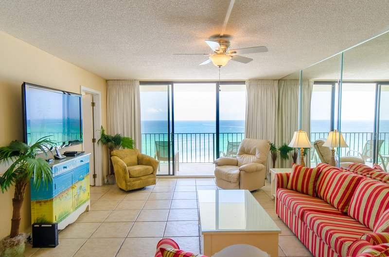 Sea Breeze, Edgewater904T2 can be your Perfect Place in Paradise!  Enjoy the Sea Breeze in the Great Room with plenty of seating and room for fun!