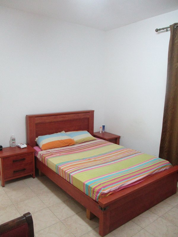 2 room apartment Haifa-Israel (sea, hospital Rambam), vakantiewoning in Haifa