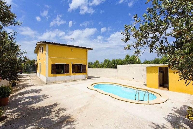 Villa Rosa villa indipendente rilassante con piscina all'aperto privata, vacation rental in Trappeto