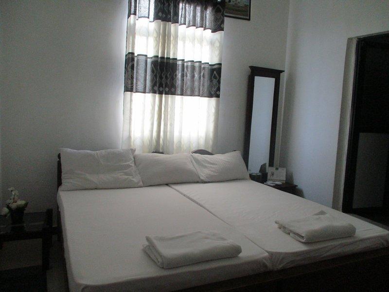 Standard AC Rooms, vacation rental in Uswetakeiyawa