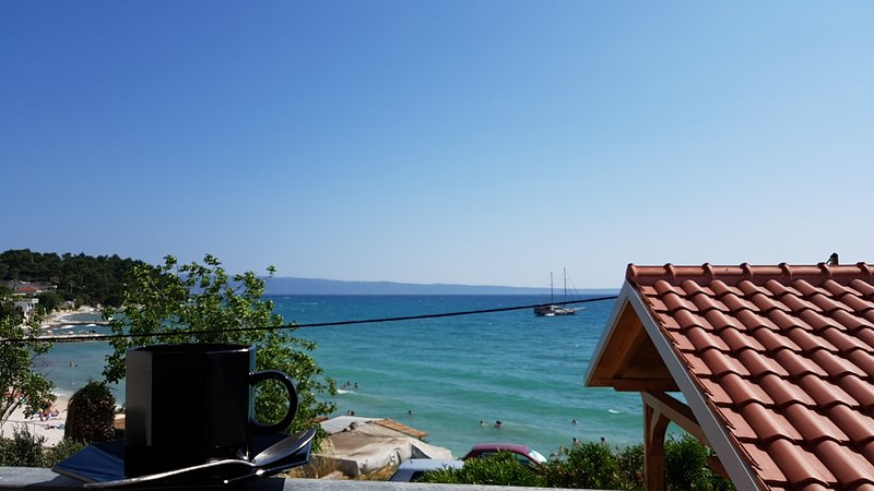 Beach Front Apartment for Two, vacation rental in Podstrana