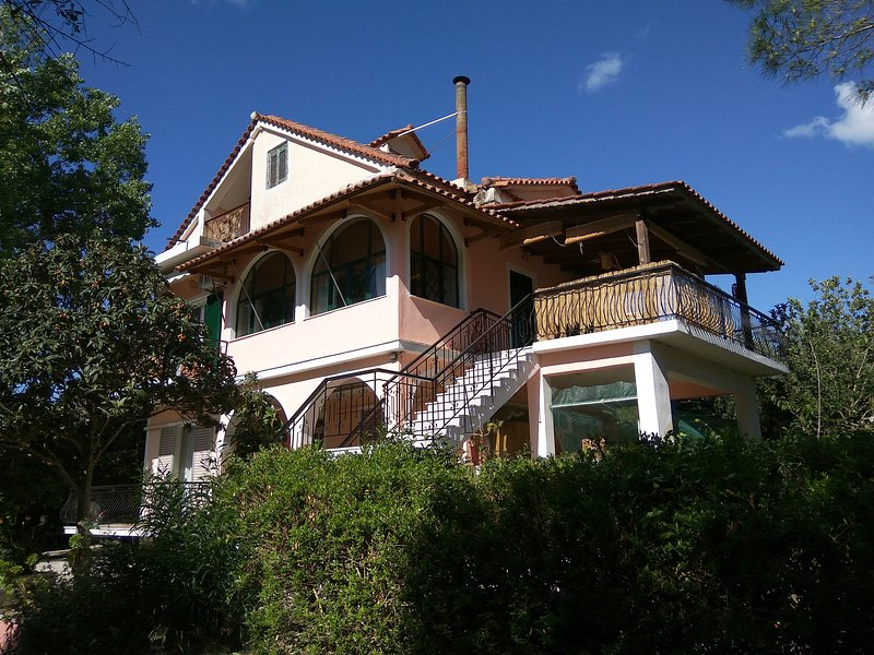 Lakis House from the road