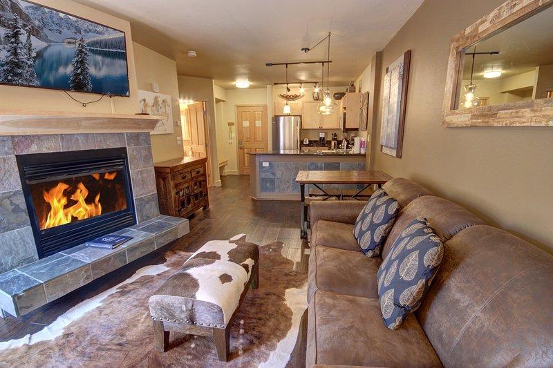 Spacious Single bedroom Silver Mill condo!