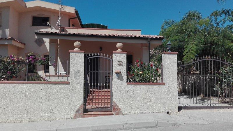 Appartamento in Villa Località San Marco, vacation rental in Cartabubbo