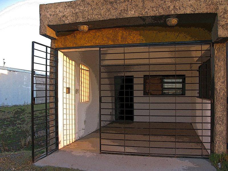 Independent Entrance. Garage.