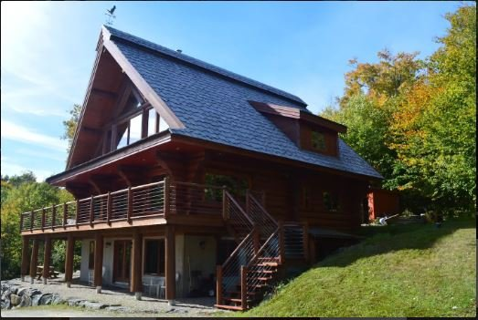 Super hill top apartment!, holiday rental in Saint-Faustin-Lac-Carre