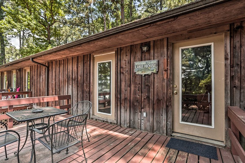 Welcome to your cozy vacation rental in the heart of Sabine National Forest.
