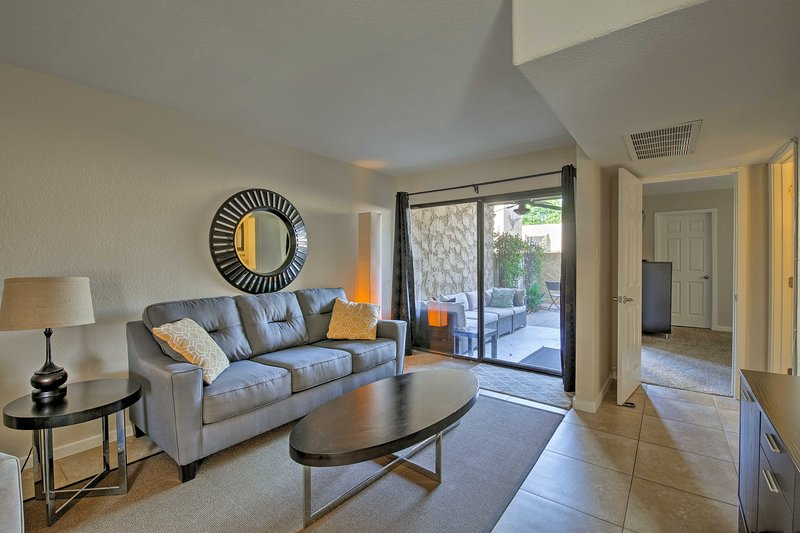 This canalside vacation rental condo is ready to host you in Scottsdale!