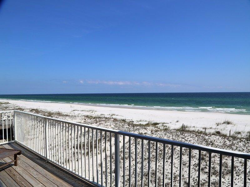 Vues panoramiques sur la plage avant de votre balcon