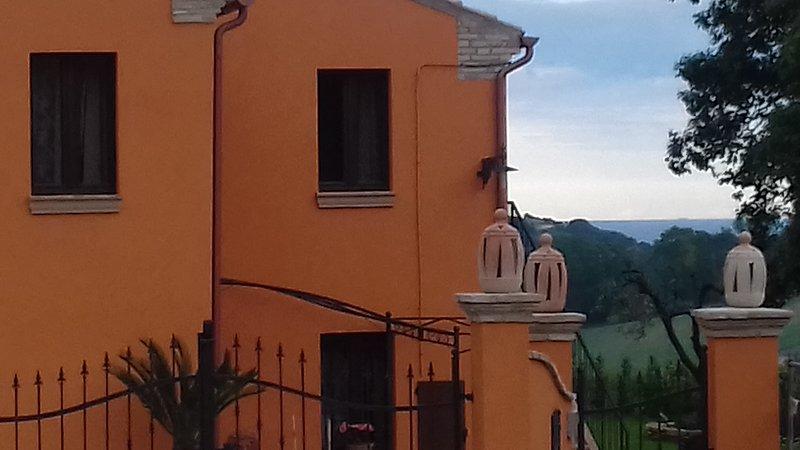 Casa la Concia, appartamento in collina vicino al mare, casa vacanza a Montecosaro