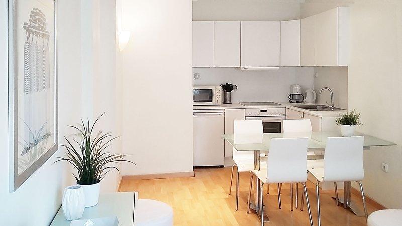 Navarino Apartment, holiday rental in Triandria