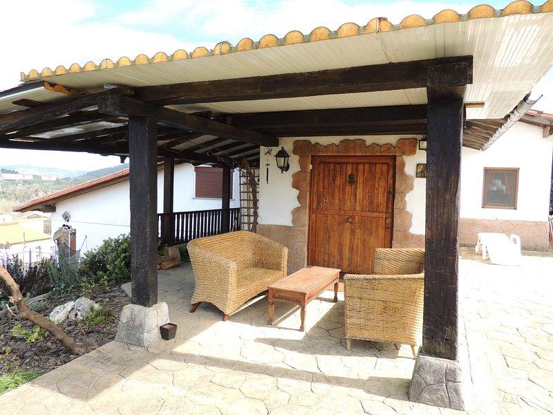 Garai Txoko. Casa en la montaña a 15 minutos de Bilbao, alquiler de vacaciones en Manurga