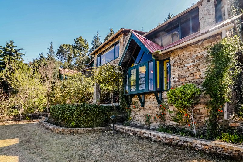Hostie Onella - Sunshine Chalet, Majkhali, Ranikhet, vacation rental in Almora District