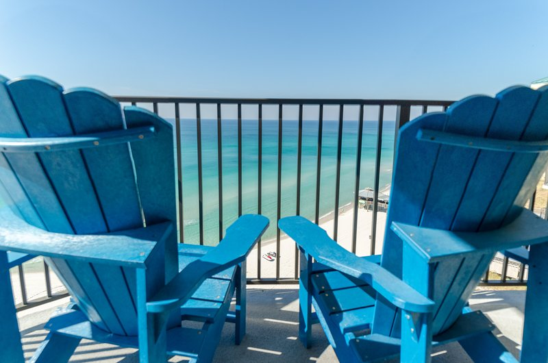 Welcome to the Compass Rose Penthouse, Sunbird 1205W. What a view and more space than other units in Sunbird, too!
