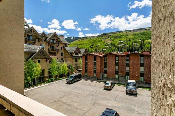 No Car Needed On Free Town Of Vail Bus Route Walk To Vail Village