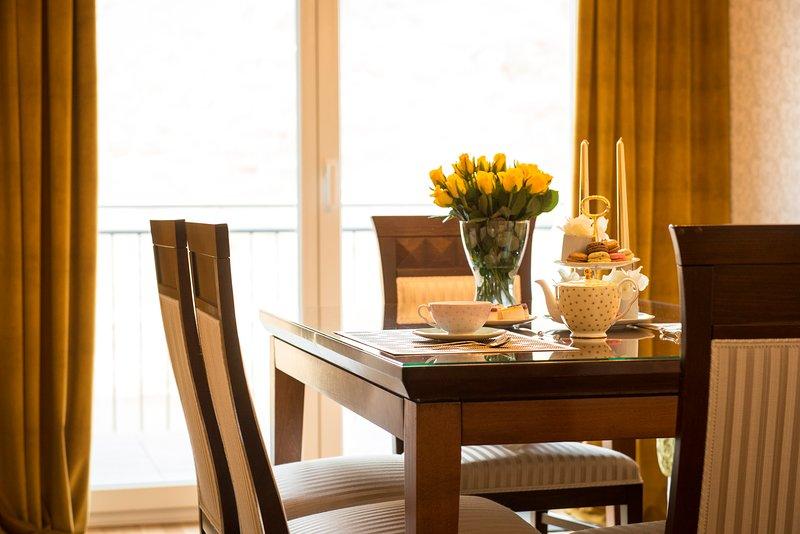 Penthouse Apartment mit Balkon, vacation rental in Ellenz-Poltersdorf