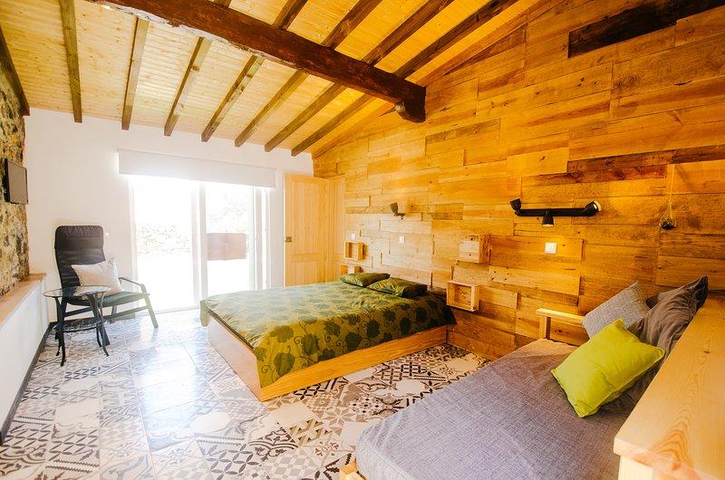 Oliveira - - Estúdio no Centro Histórico de Sintra, holiday rental in Galamares