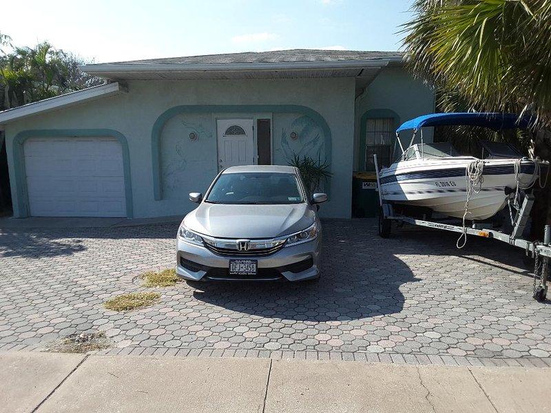 Pelican Villa - Across the street from the beach!, vacation rental in Merritt Island