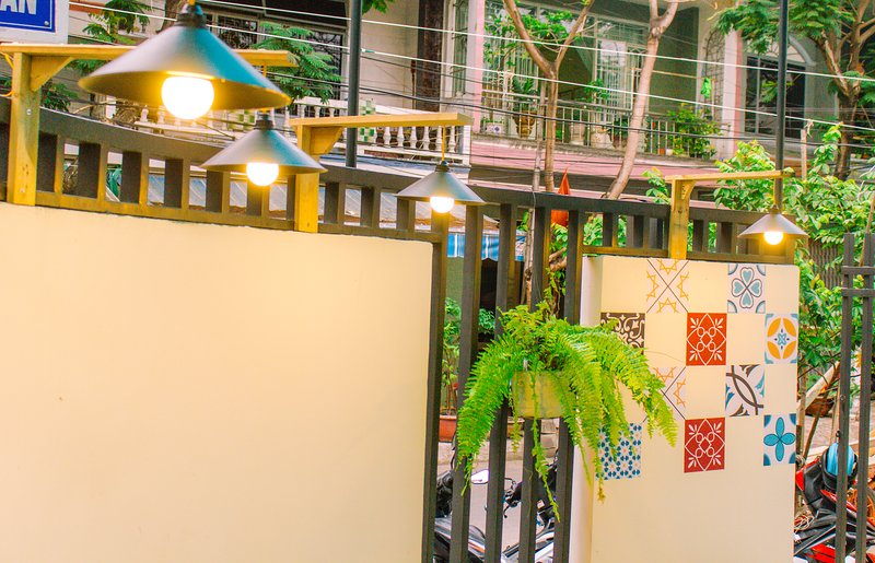 Comfy 3-BR NAT Home; 7 minutes to Airport; Closed to Beach and Downtown, holiday rental in Da Nang