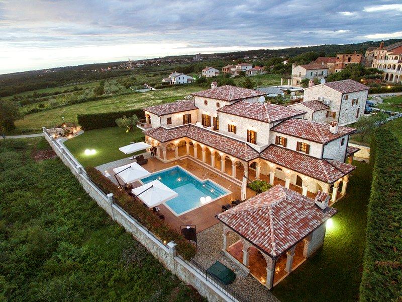 Villa Carolus - Luxurious Istrian Villa, Ferienwohnung in Visnjan