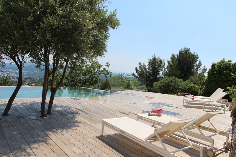 5* Prestige Villa. Panoramic seaview Infinity pool, holiday rental in Evenos